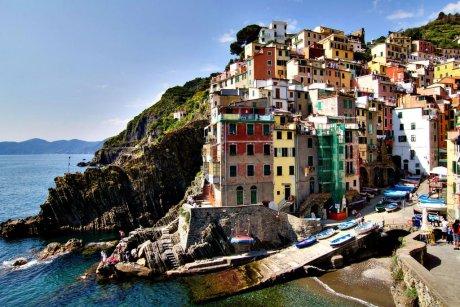 Сущность и функции маркетинговых исследований в туризме